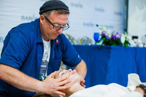 Гуру массажа Рики Велш представил новый спа-ритуал от BABOR