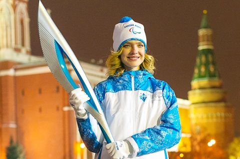Наталья Водянова на презентации олимпийских факелов Сочи-2014