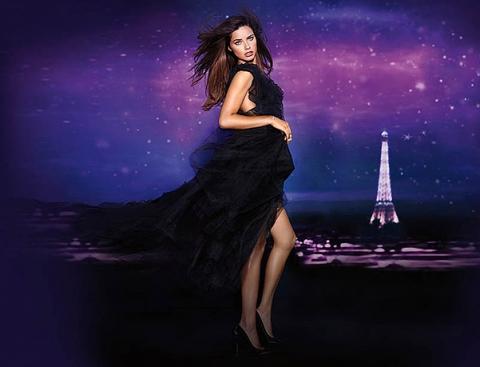 Адриана Лима в рекламной кампании нового аромата от Victoria's Secret