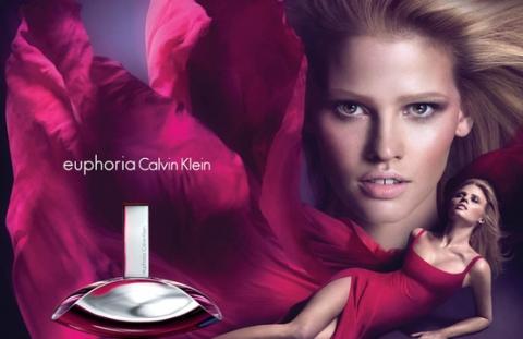 Лара Стоун стала лицом аромата Euphoria Calvin Klein