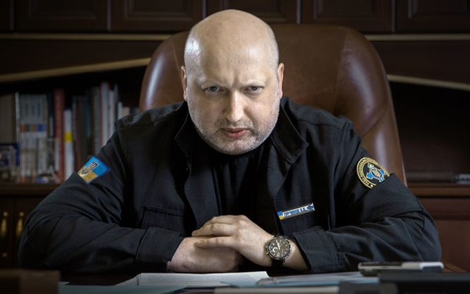 """Турчинов розповів, як нелегко залишатися """"кривавим пастором"""""""