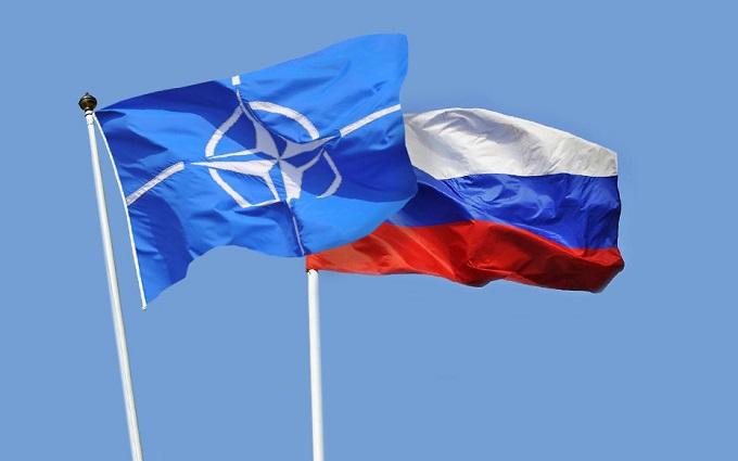 У НАТО вирішили, що робити з Росією: два варіанти, і обидва одночасно
