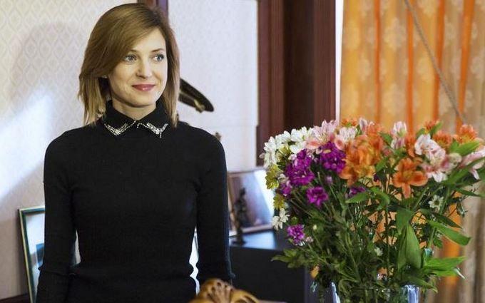 """Нуль квартир і машин: в мережі висміяли декларацію кримської """"Няші"""""""