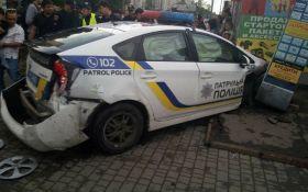 В Одессе авто копов влетело в магазин, есть пострадавшие: появились фото