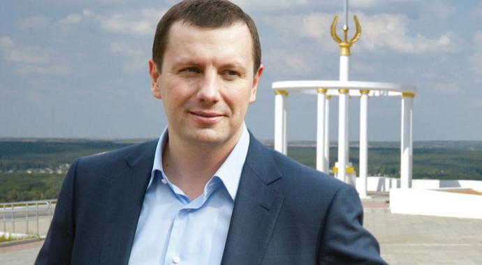 Нардеп від Опоблоку захопив місто на Донбасі, а сина мера шукають за наркотики (3)