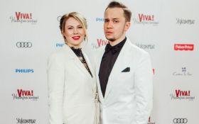 Известный телеведущий впервые появился на публике со своей женой