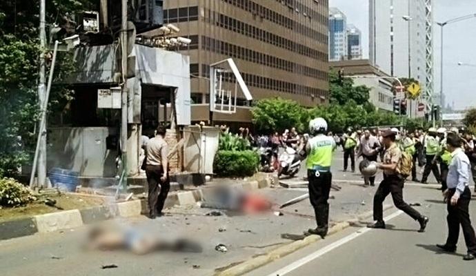 Террористы ИГИЛ взяли на себя ответственность за нападения в Джакарте