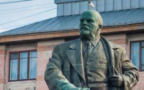 """Більшість громадян """"за"""": У Держдумі Росії пропонують поховати Леніна"""
