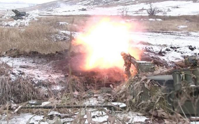 Ситуация на Донбассе обострилась - враг применил тяжелую артиллерию
