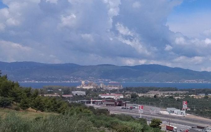 Вмирають в муках: жителі Криму розповіли про страшні наслідки хімічних викидів на півострові