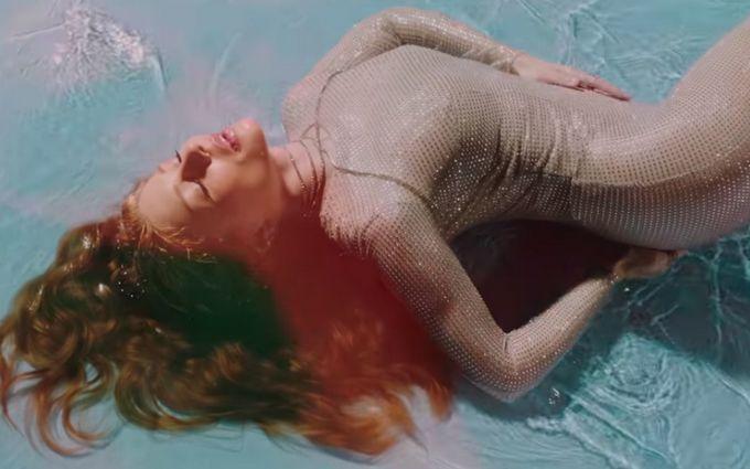 Новый откровенный клип с обнаженной Тиной Кароль бьет рекорды в сети: опубликовано видео