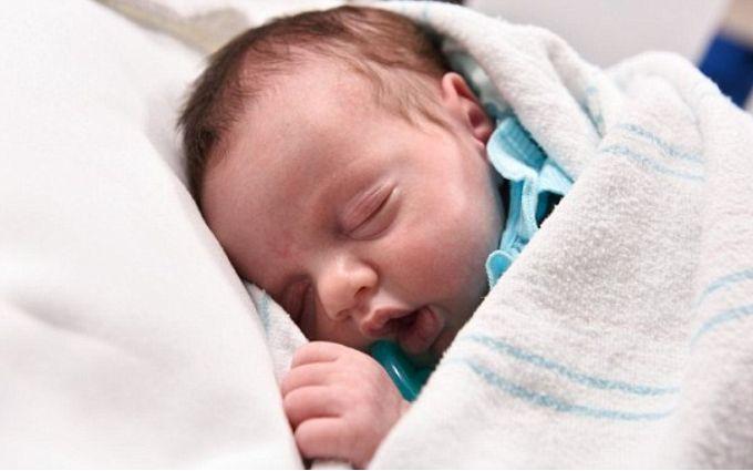 Маленька дівчинка народилася двічі: з'явились фото