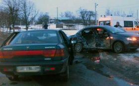 В страшной аварии на Житомирщине погибли люди: опубликованы фото