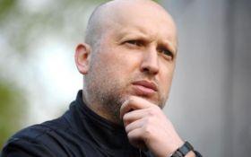 Турчинов перенес свой визит в Брюссель, - СМИ