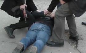 Затримання бойовиками ЛНР відомого блогера: опубліковано відео