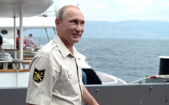 Путин прибыл в оккупированный Крым: стали известны его планы