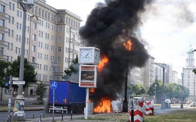 Потужний вибух прогримів у Берліні: з'явилися фото і відео
