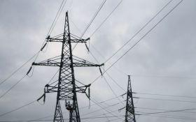 Из-за непогоды 146 населенных пунктов в Украине остались без электричества