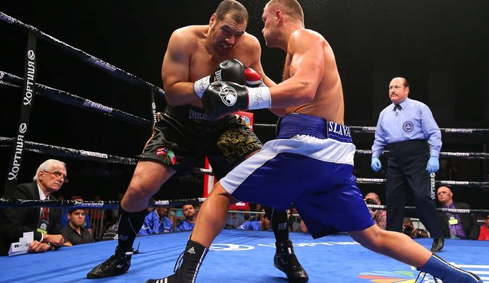 Украинский боксёр проиграл титул чемпиона мира