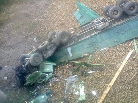 Вантажівка впала з мосту у Вінницькій області, загинув водій (1)
