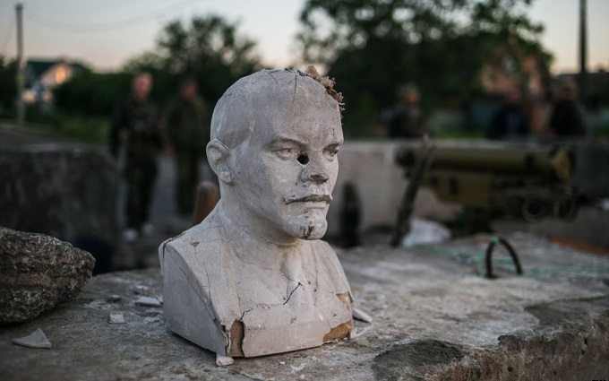 Українцям розповіли, скільки Леніних залишилося в країні