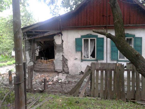Під Горлівкою бойовики ДНР вбили пенсіонерку: з'явилися фото з місця трагедії (1)