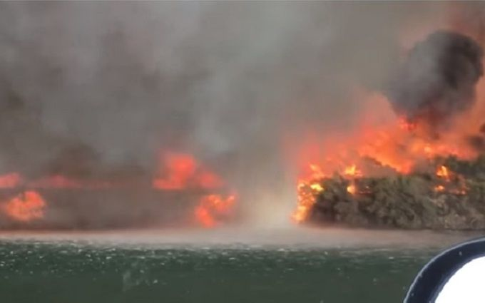 Это нужно видеть: в США сняли на видео огненный смерч