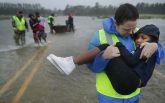 Города ушли под воду, гибнут люди: жуткие фото и видео последствий мощного урагана Флоренс в США