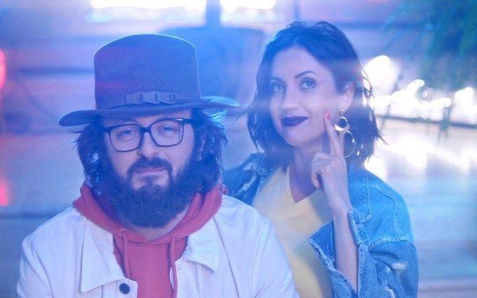 """""""Чекаю. Цьом"""": DZIDZIO та Оля Цибульська випустили жартівливий кліп"""