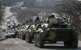 Росія продовжує стягувати в анексований Крим військову техніку: опубліковано відео