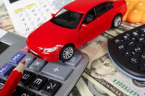 Кабмин с сегодняшнего дня отменил справку-счет при продаже авто