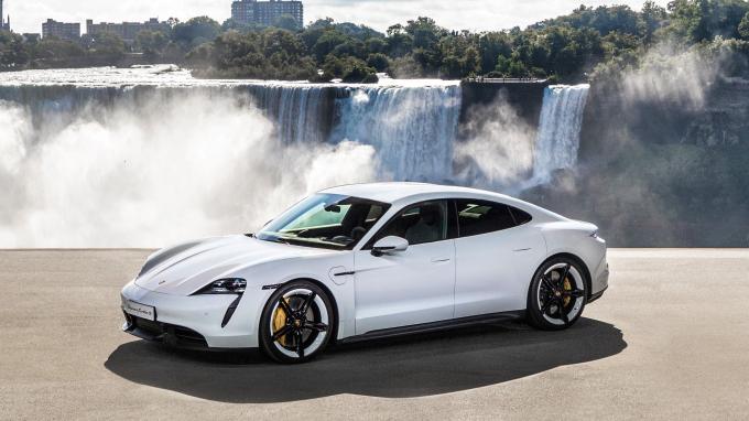 Эксперты назвали лучший автомобиль 2020 года - впечатляющие фото (3)