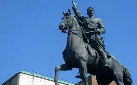 У Києві знову зібралися валити відомий радянський пам'ятник