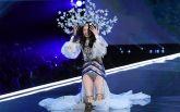 Китайська модель осоромилася на показі Victoria's Secret: з'явилося відео