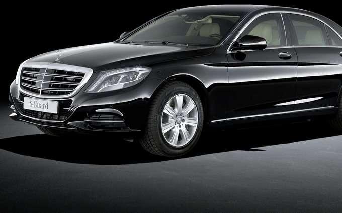 """У """"Нафтогазі"""" пояснили, навіщо їм дорогезний броньований Mercedes"""