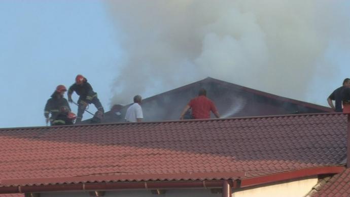 Відома фабрика спалахнула у Львові: з'явилися фото і відео (1)