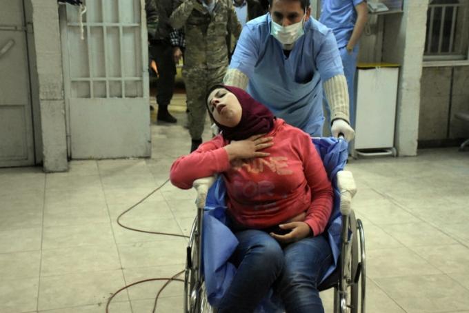 В сирийском Алеппо совершена мощная химатака, более 100 пострадавших: жуткие фото и видео (1)