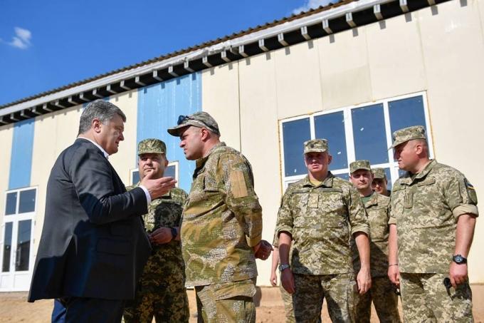 Лучше, чем в странах НАТО: Порошенко показал новый военный полигон в Украине (4)