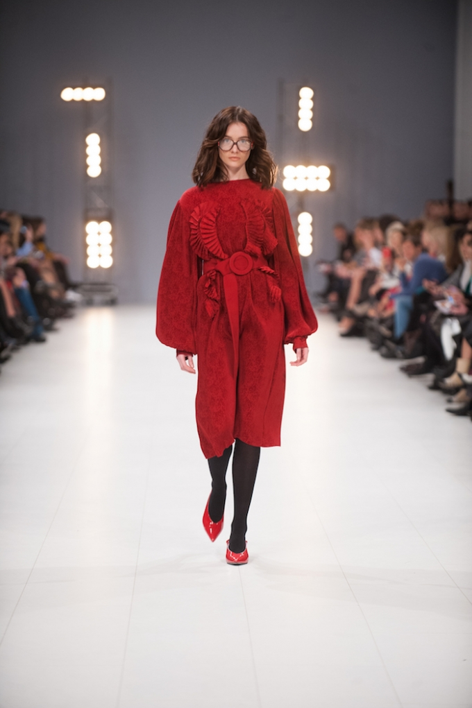 В Киеве стартовал Ukrainian Fashion Week: опубликованы первые яркие фото (6)