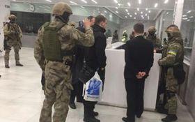 Громкие обыски в Украине: СМИ показали фото интересной находки