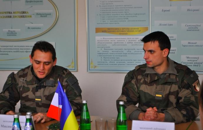 Французские курсанты проходят стажировку в ВИКНУ (2)