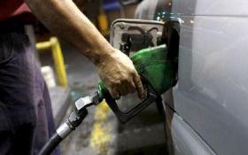ОККО та WOG різко знизили ціни на бензин