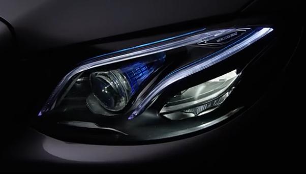 Mercedes-Benz показал оптику нового E-Class (видео)