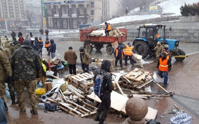 На Майдане демонтировали последнюю палатку: опубликовано фото