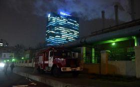Серьезный пожар в Киеве: появились новые фото и подробности