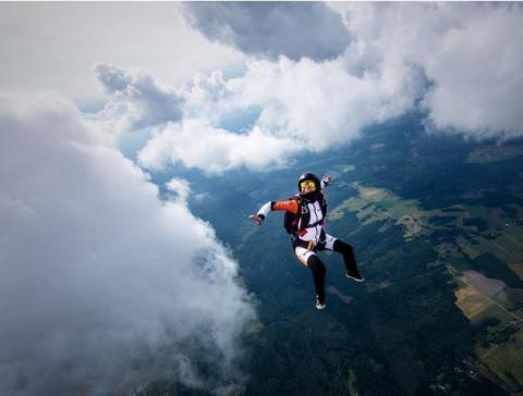 Захоплюючі фото, зроблені у вільному падінні (19 фото) (15)