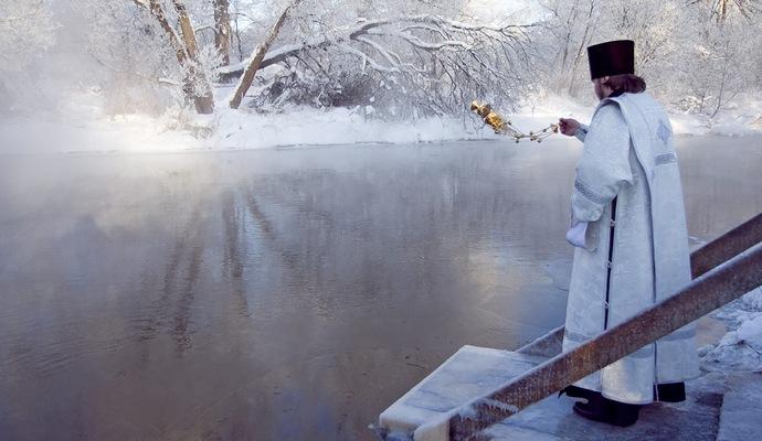 На Крещение по Киеву будут ездить цистерны со свячёной водой