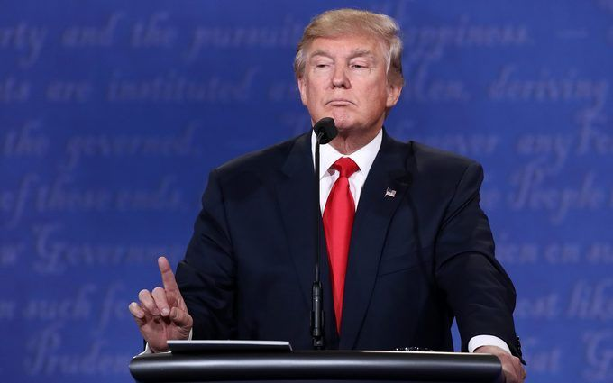 Дональд Трамп поздравил противников сНовым годом