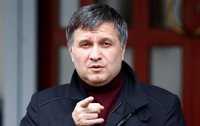 Аваков призвал перестать фантазировать поповоду его отношений сПорошенко