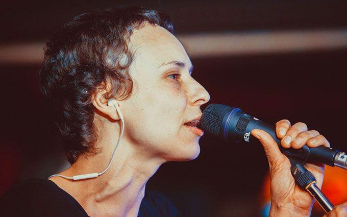 Заборонена в Україні рок-зірка приїхала співати в окупований Крим: з'явилося відео
